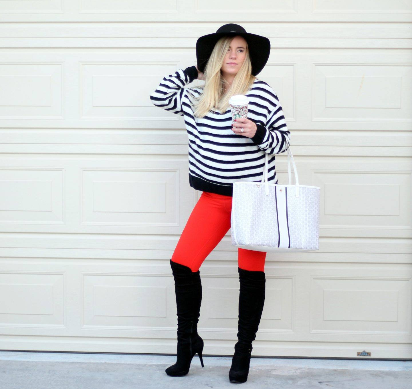 Holiday Outfit: Bright Red Leggings!